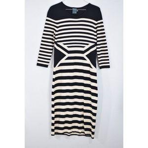 Gabby Skye Cream Black Sweater Dress